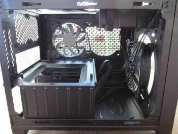 Corsair Obsidian 250D Mini-ITX Gehäuse - Innenleben Bild 2